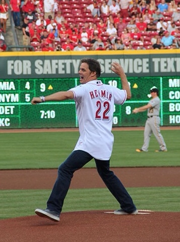 FOX News Anchor @BillHemmer tosses Cincinnati @Reds v. PIttsburgh @Pirates First PItch at Great American Ballpark 7.12.14